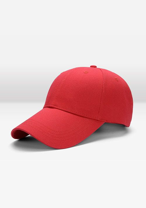 红色棒球帽